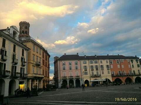 Piazza Cavour...Vercelli