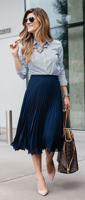 Spring Work Outfit Pleated Skirt