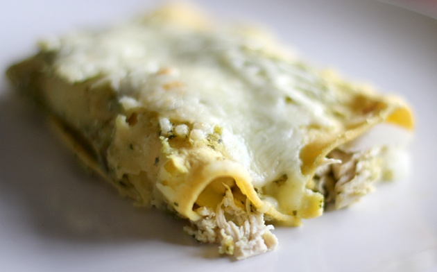 Green Chicken Enchiladas (Enchiladas Verdes)