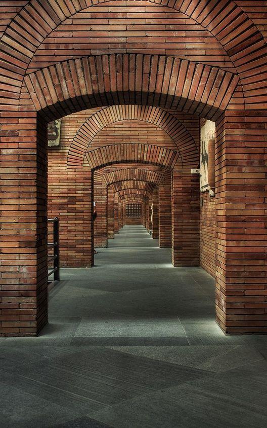 Arcos segmentados y de descarga trabajan en armonía visual y estructural. Imagen © Usuario Flickr Guzman Lozano
