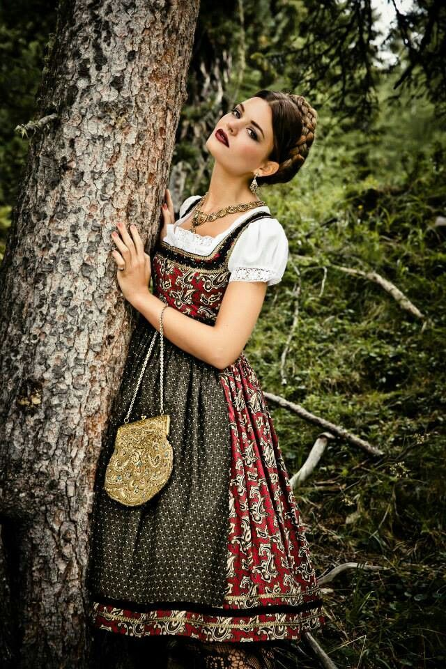 Oktoberfest Dirndl. I need to get one of these for this year's celebrations. Adding to my 'to-make' list for this year!