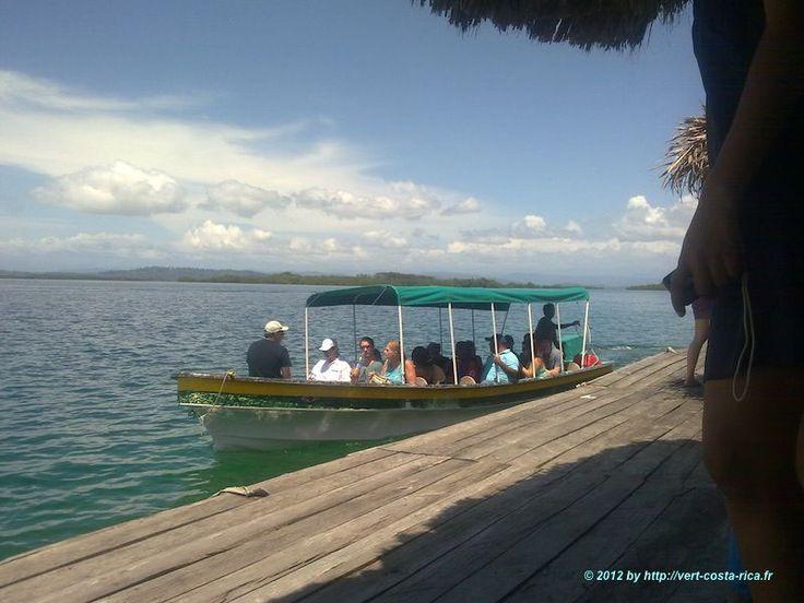 Cliquez ici pour suivre notre aventure sur les routes du Costa Rica et du Panama - Voyage en Bus pour se rendre dans l'archipel de Bocas del Toro... Transport, bus et avion...