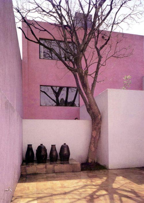 Casa Gilardi, L. Barragán - México.                                                                                                                                                                                 Más