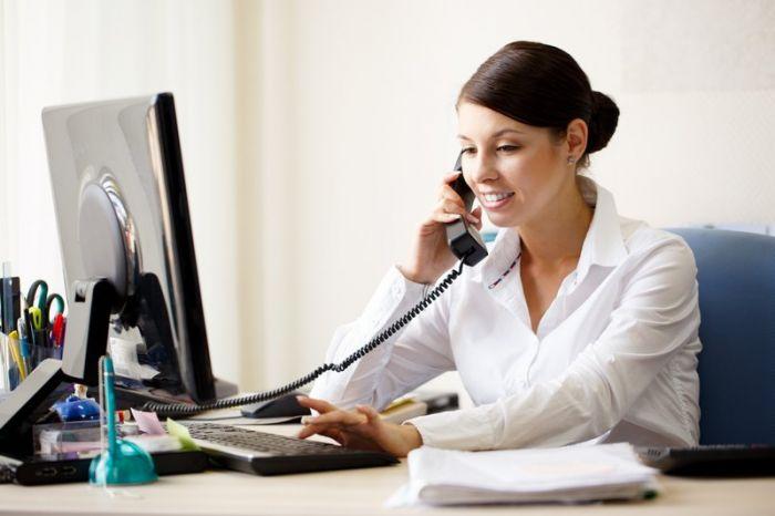 Assistant(e) de direction / Secrétaire de direction : Etudes, diplômes, salaire, formation, rôle, compétences | Carrière Hôtesse