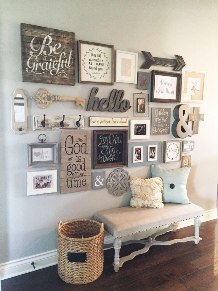 L'entrée, c'est comme un aimant à tout ce qui encombre une maison. Et ce n'est pas facile de le décorer non plus, car cet espace a beaucoup de passage. Comment alors créer une entrée accueillante et chaleureuse, mais bien organisée ? Ces 27 idées de décoration d'entrée rustiques vous montreront comment ! À la base, votre entrée c'est un endroit pour déposer vos clés et vos sacs.  #entrée #décoration #décorationinterieur #astuces #déco #idéesdéco #idéesinterieur #idées idéesentrée #rustique