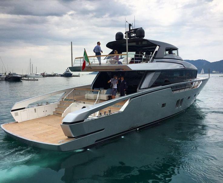M / y KHALILAH by @palmerjohnsonyachts #LuxuryCorp Dotted by: Julia Watkins #yach ...