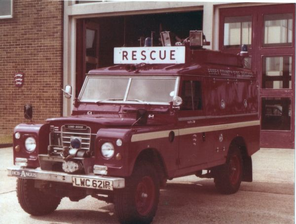 """1-Ton 109"""" Land-Rovers 1968-77- Was LWC621P one of these vehicles? The Salisbury front axle is clear to see, as is the six cylinder pattern exhaust. This vehicle does have drop shackle suspension and deep wheelrims, but looks to be on 7.50X16 tyres. Photo and information via R.Maude."""