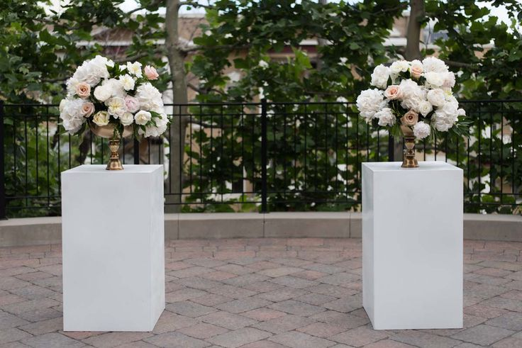 Flowers by Native Flower Company. Peonies! McCune Mansion Wedding in Utah | Melissa Kelsey Photography | Modern Trousseau