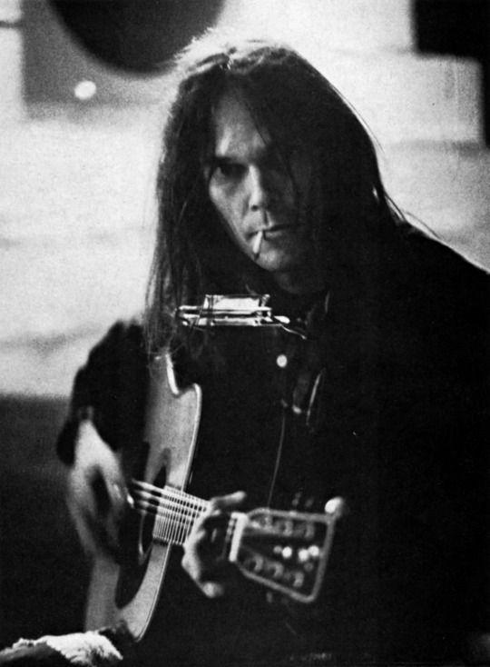 Neil Young, Paris, 1976      Photo by Dominique Tarle