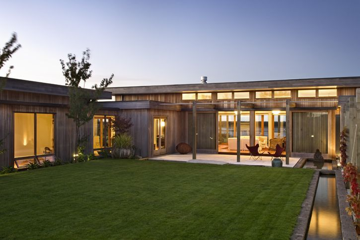 modern u-shaped homes with walled interior courtyard - Google Search
