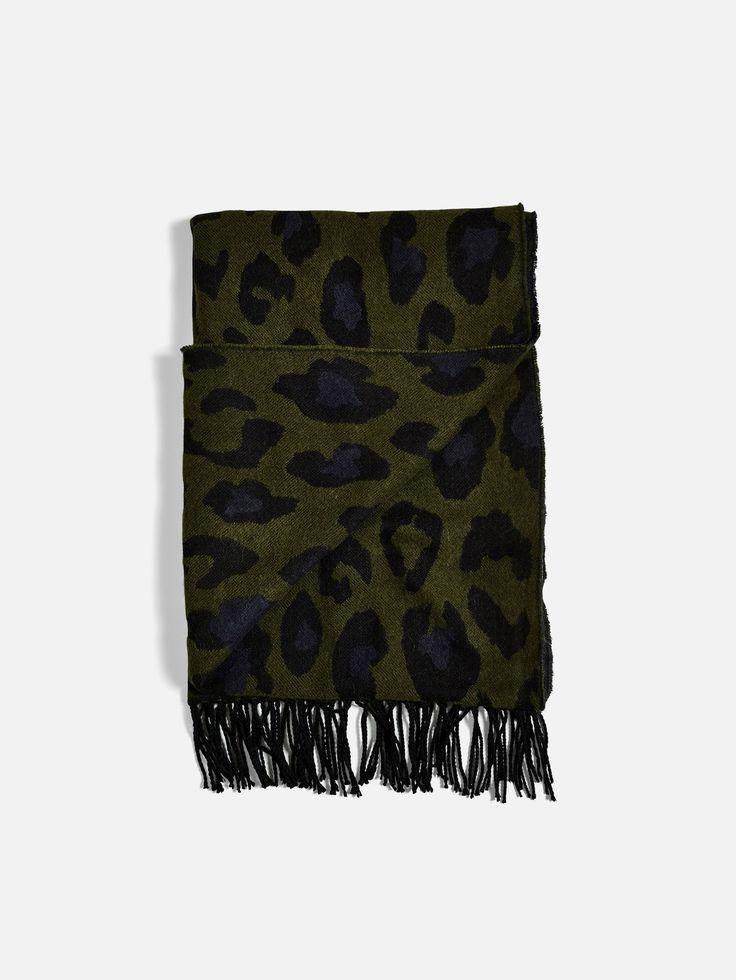 Sherlock scarf 59,70 kr från BikBok