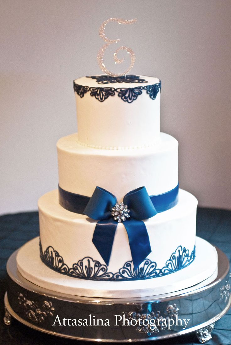 Engagement Cake Designs 2018 : 17 Best ideas about Navy Wedding Cakes on Pinterest Blue ...