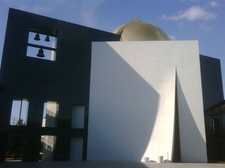 Chapel of St. Basil. Located at Houston's University - Philip Johnson