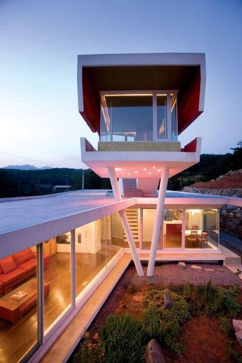 This is the S Mahal house, an odd and impressive residence located in  Yangpyeong-gun, South Korea. It was a design by Korean architect Moon Hoon.  The house