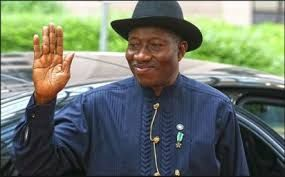 Ex Nigeria's President Goodluck Jonathan Reacts To APC's Claims That Nobody Could Have Looted Like His Administration Did   Goodluck Jonathan  The National publicity secretary of PDP Dayo Adeyeye sometime last week released a statement in which he accused the Buhari-led APC government of treating the anti-corruption fight. Adeyeye's comment was in reaction to the EFCC handing over to former Bayelsa state governor Timipre Sylva the 48 houses they had initially seized from him.  In reaction to…