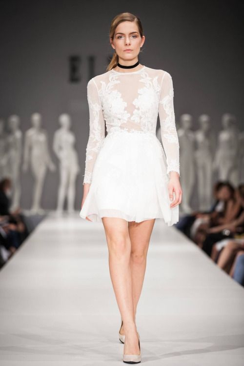 Nora Sarman / the White Barbie dress / Elle Fashion Show / photo Endre Holecz