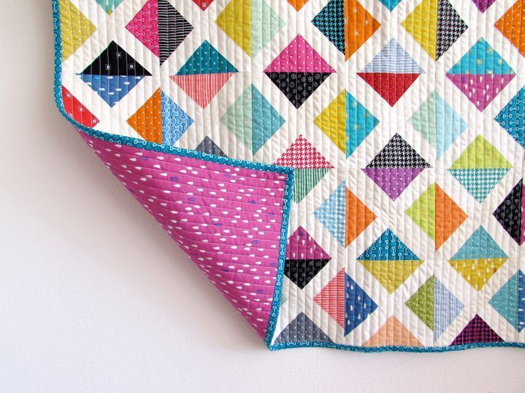 We are super excited about Jennifer's @sunnyincal Scrappy X quilt using all L's Modern Basics! Fun! Fun! Fun! #Lecien #lecien_fabric #LsModern