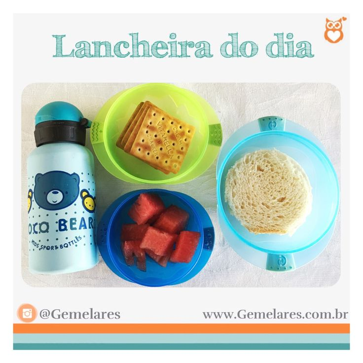 Lanche para escola: melancia, bolachas de sal, pão com requeijão e água geladinha.
