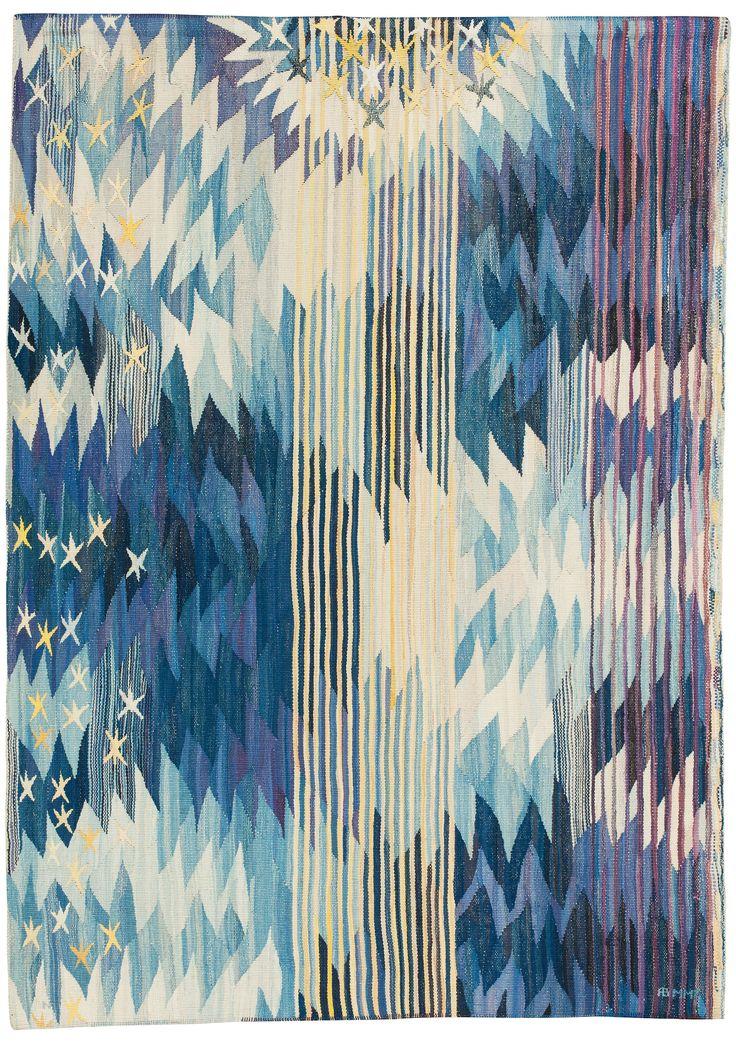 Gobelängvariant. 214 x 152,5 cm. Signerad BN AB MMF. (Barbro Nilsson, AB Märta Måås-Fjetterström). Komponerad på 1960-talets andra hälft. Blå himmel med stjärnor och stjärnglans.