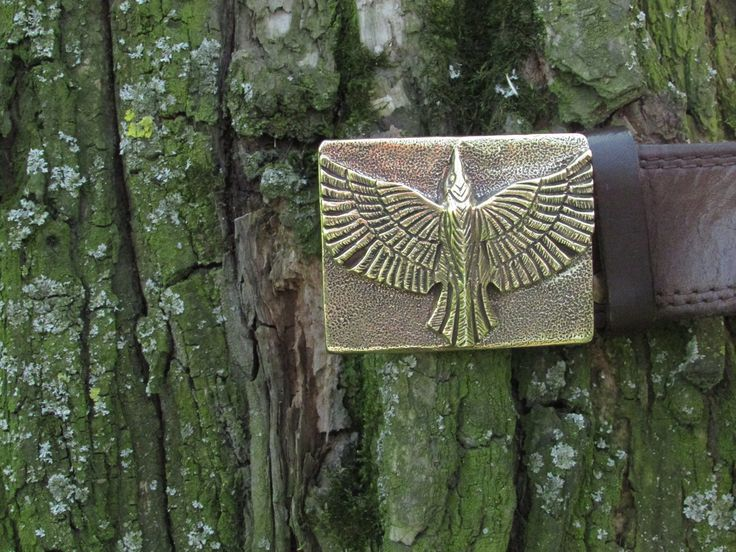 The #Raven is perceived as an intermediary between the world of the living and the world of the dead. It appears in descriptions of battles, heralds the death of heroes. Scandinavian Supreme God #Odin. Moreover, the Raven was depicted on the flag of the legendary Norwegian ruler Ragnar Lodbrok. #NordSun  #Etsy #brass #buckle #vikings  #scandinavian #raven #gifts #leatherbelt