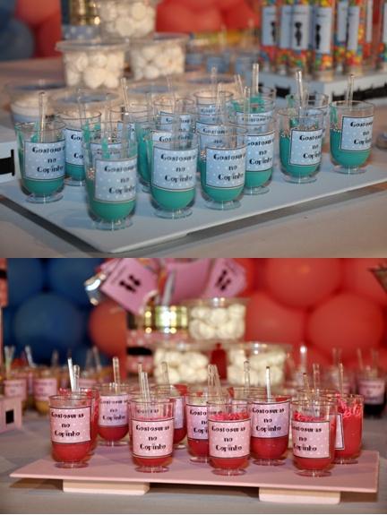 """Guloseimas - Gostosuras no copinho (""""Brigadeiro"""" azul e rosa)"""