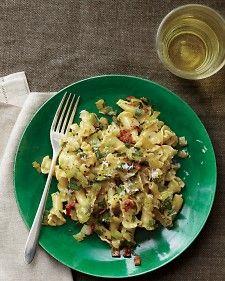 Pasta Carbonara with Leeks and Lemon from Martha Stewart (http://punchfork.com/recipe/Pasta-Carbonara-with-Leeks-and-Lemon-Martha-Stewart)