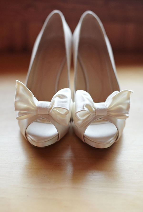 OMG -- perfect wedding shoes.