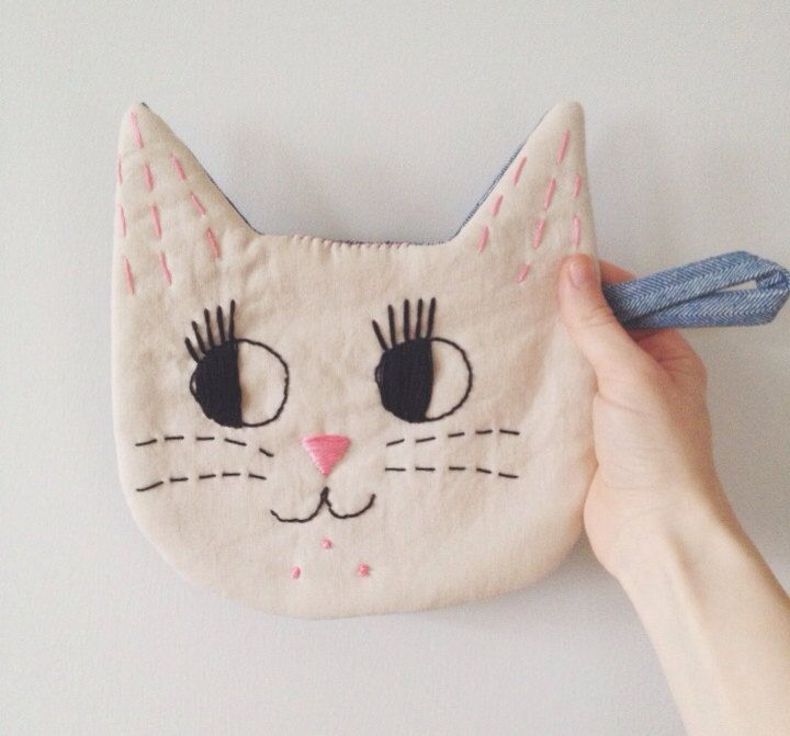 Le Chat : Handmade Embroidered Cat Pot-holder in Blue denim or Peachy-Pink Wool by fromlebowithlove on Etsy