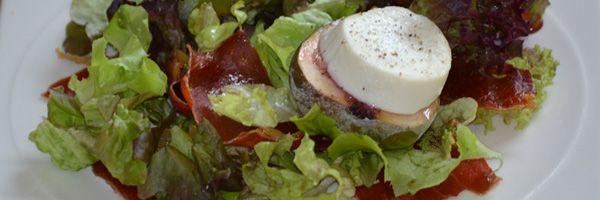 Salade met gegratineerde vijgen