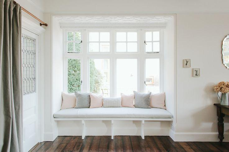 Rebecca {Rvk Loves} Lounge - Image By Adam Crohill