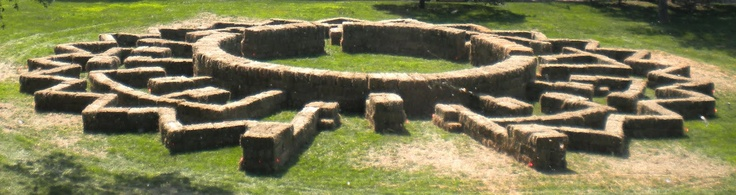 Interesting attempt at a novel shape in a temporary maze. Bit too easy though.
