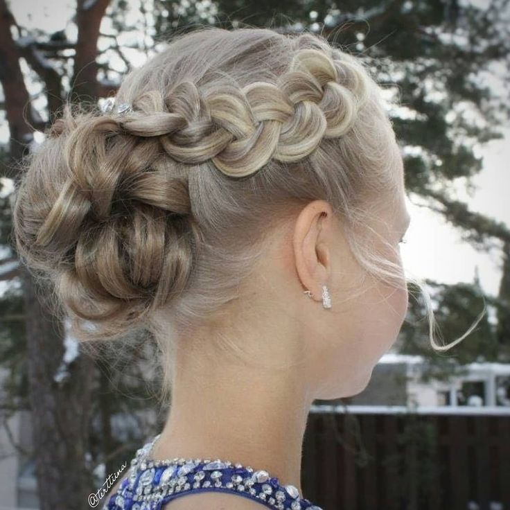 Braids & Hair by @terttiina Instagram: Updo #promhairstyle