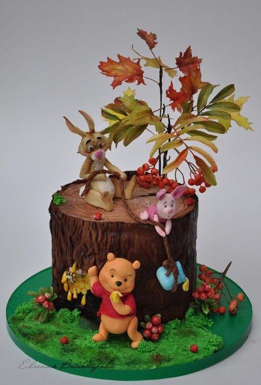 Die besten 17 bilder zu winnie the pooh cakes cupcakes for Winnie pooh kuchen deko