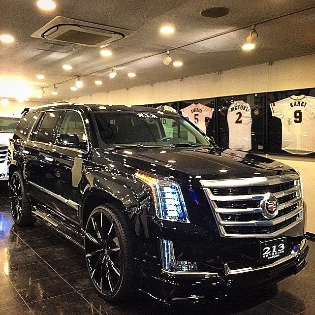 """2015 Cadillac Escalade on @lexaniofficial 26"" CSS-15 #wow"""