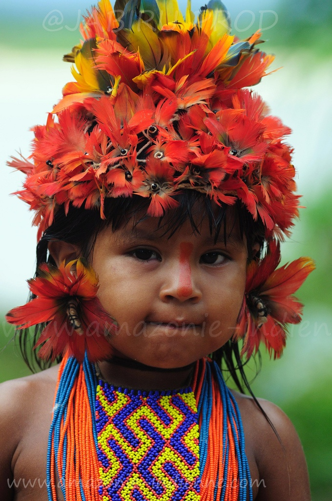 Brasil | Portrait of a young Amazonian Indian boy. Sta Isabel do Morro Bananal Island Tocantins | © Serge Guiraud
