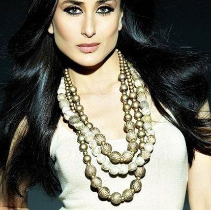 Kareena Kapoor to endorse jewellery brand  Bollywood heroine Kareena Kapoor has been signed up as the ambassador of jewellery retail chain Malabar Gold & Diamonds. She is happy with the association.