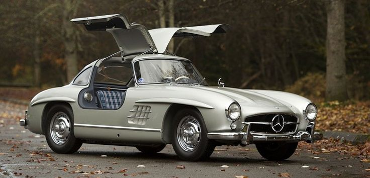 Yoldayken uçmak isteyenlere: #Mercedes #MercedesBenz #300SL #MartıKanat