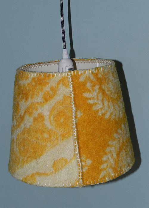 Vintage Lampenkap met Retro Wollen Deken. VanCaat