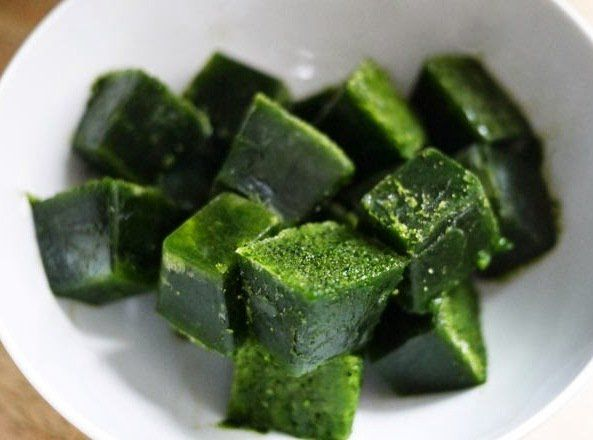 How to Make Frozen Kale & Spinach Cubes