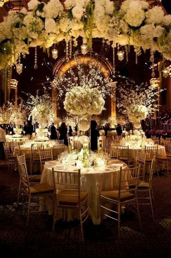I fiori sono la bellezza allo stato puro e sono indispensabili per la creazione di un'atmosfera magica. Buon inizio settimana  https://www.facebook.com/SilviaForte.Eventi/ #allestimentifloreali #addobbifloreali #fiori #matrimonio #nozze #sposi #weddingplanner #senigallia #marche