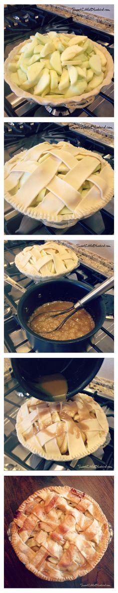 TARTA DE MANZANA DE LA ABUELA 8 manzanas Granny Smith, peladas, sin corazón y en rodajas 1/2 taza de mantequilla sin sal 3 cucharadas de harina para todo uso 1/4 taza de agua 1/2 taza de azúcar blanco 1/2 taza de azúcar morena