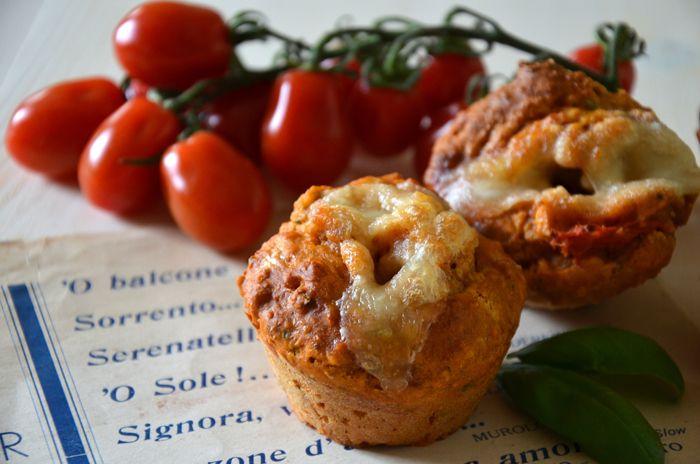 Muffins Vesuvio con pomodoro e mozzarella (ve-lo-cis-si-mi!) | Vita su Marte