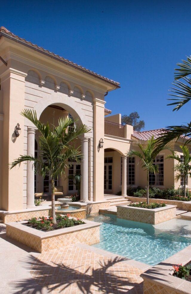 https://i.pinimg.com/736x/32/95/0e/32950e26bfb50c311f711e79eb9ef438--luxury-mansions-luxury-homes.jpg