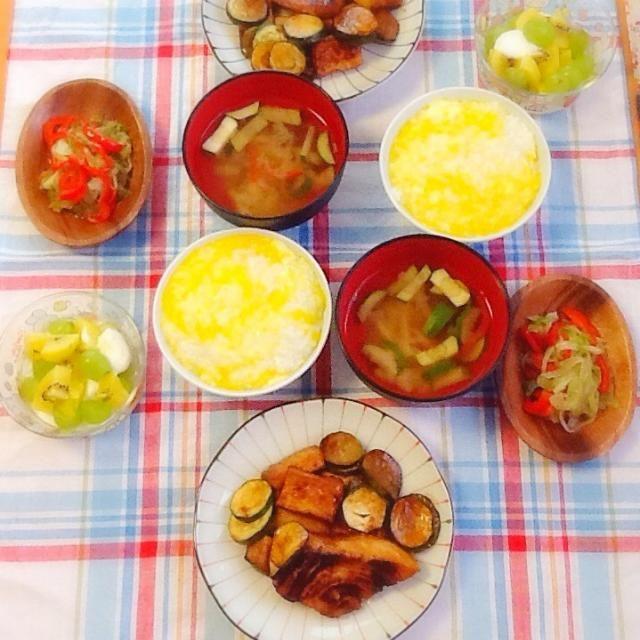 旦那が親知らずを抜いたばっかりなので、たまご粥作ったヾ(・ω・o)  めかじきの照り焼き 野菜炒め みそ汁 フルーツヨーグルト - 58件のもぐもぐ - めかじきの照り焼きヾ(・ω・o) by lilianhuang