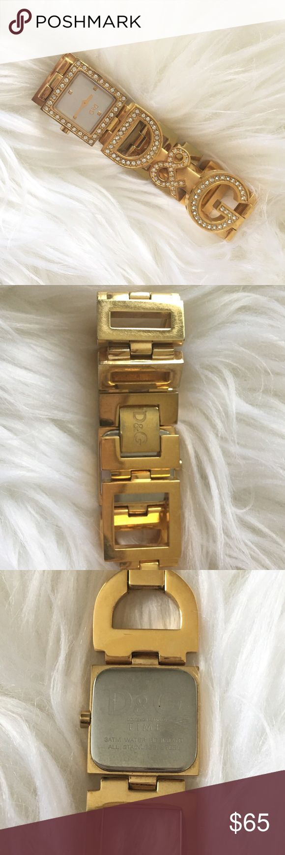 ⛔️WEEKEND FLASH SALE⛔️Dolce and Gabbana Watch ⛔️WEEKEND FLASH SALE⛔️Gold Dolce and Gabbana watch with rhinestone embellishments. Slight imperfections on underside of band from normal wear and tear. Battery needed. Originally $350. Asking $45 firm. Asking price will return to $65 by midnight, EST 3/26. Dolce & Gabbana Accessories Watches