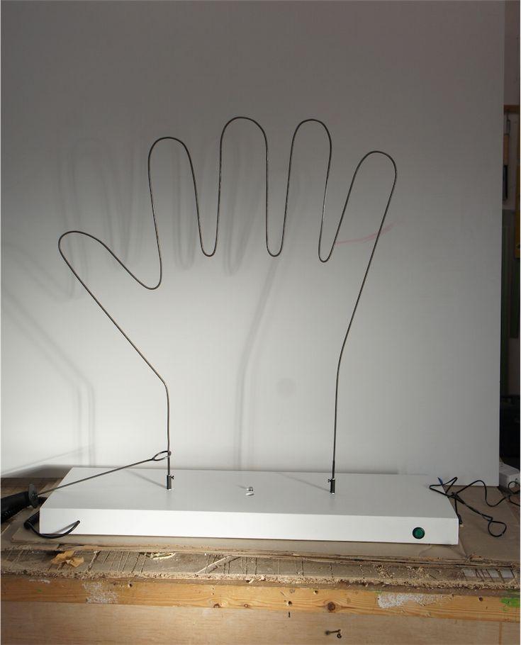 hand-steady-hand-game.jpg (808×1000)