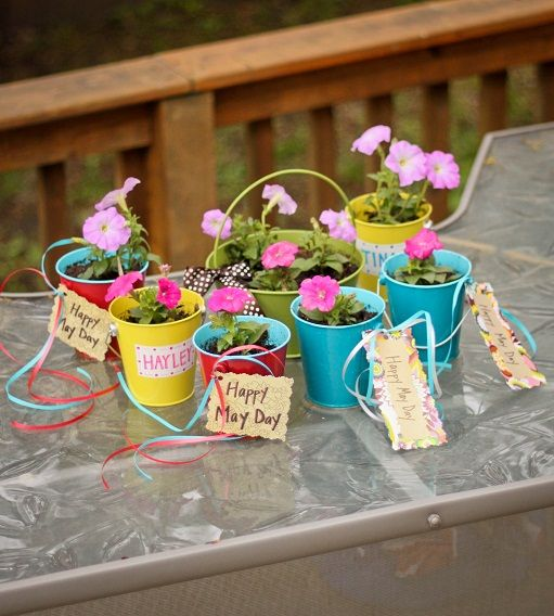 Pin By Sarah Michaels On Holidays May Day Baskets May Days May