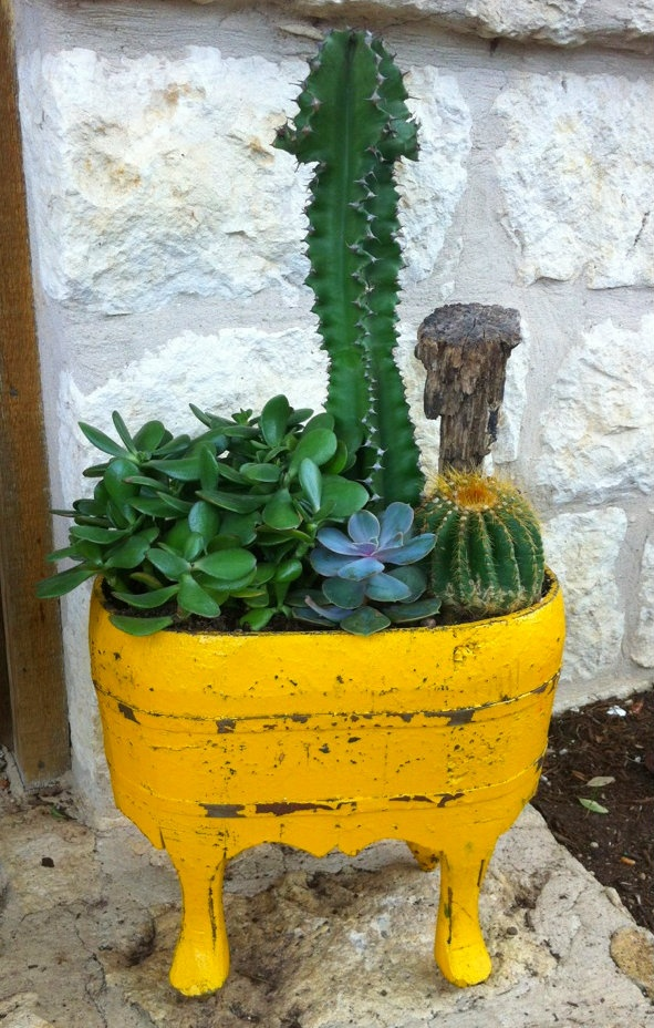 17 best ideas about wooden containers on pinterest for Wooden cactus planter