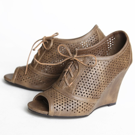 wedges.Cutout Wedges Repin, Fashion, 3699, Feet, Le Shoes, Shoese Clothing, Shoes Obsession, Toes Wedges, 36 99