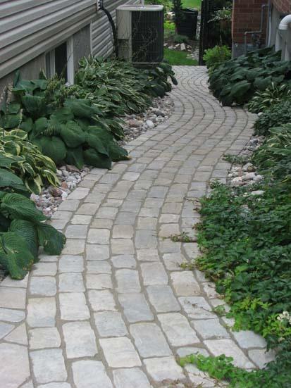 Abloom landscaping ottawa side yard idea backyard for Courtyard landscaping ottawa